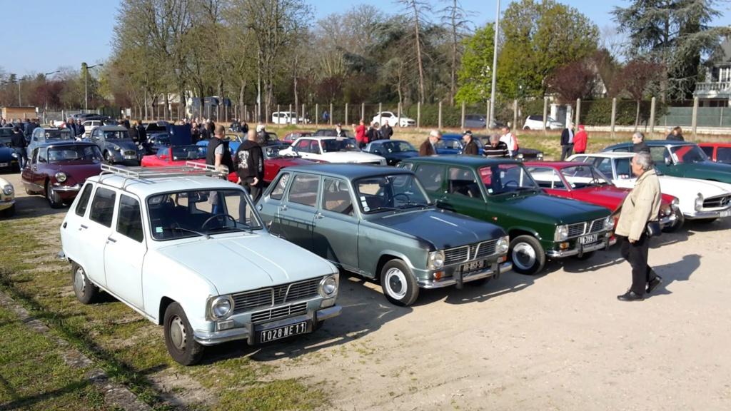 Presqu'un rassemblement de Renault R6 à Maisons Laffite ! Maison15
