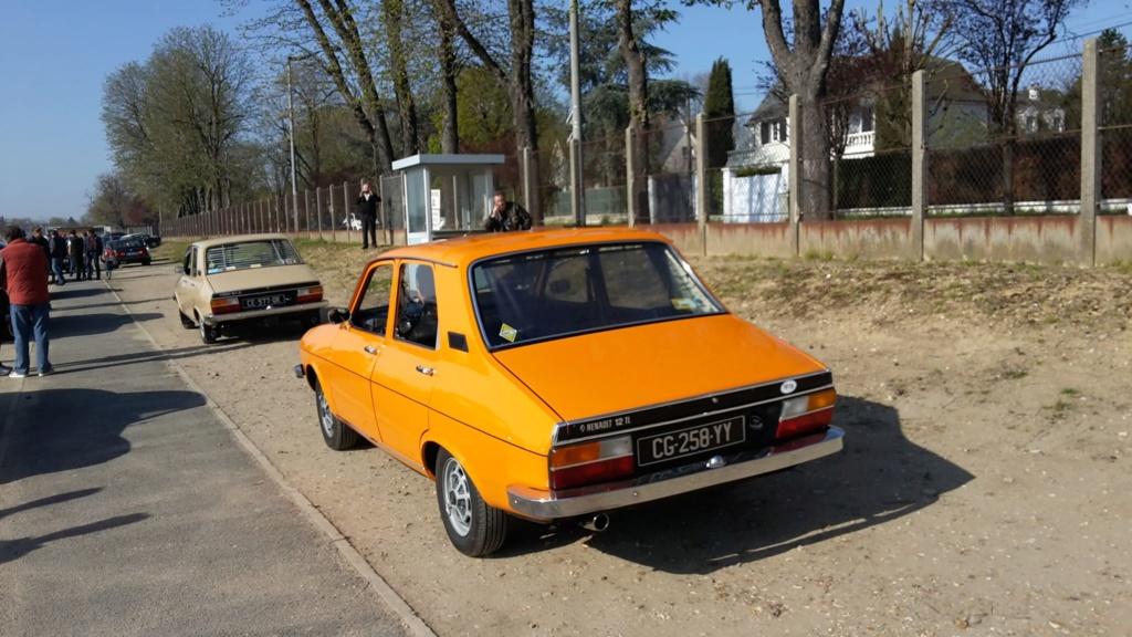 Presqu'un rassemblement de Renault R6 à Maisons Laffite ! Maison18