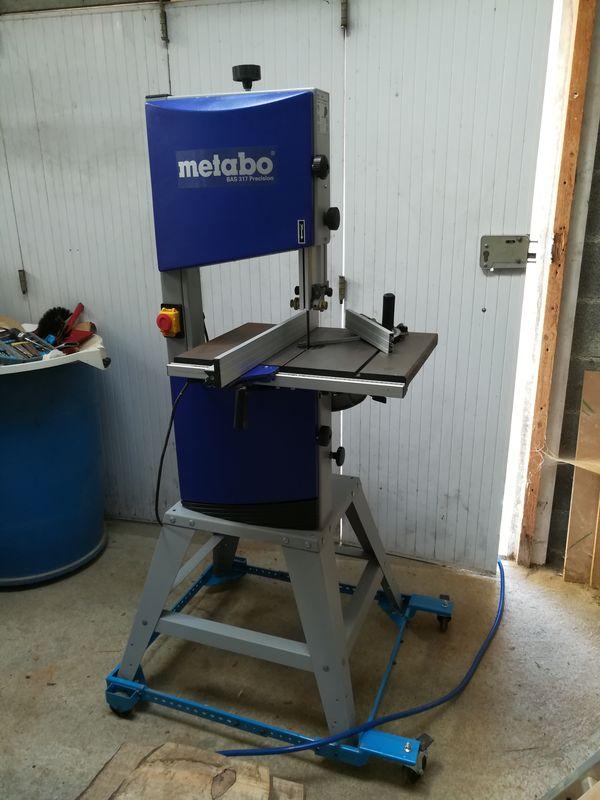 Une nouvelle scie à ruban à l'atelier 0212