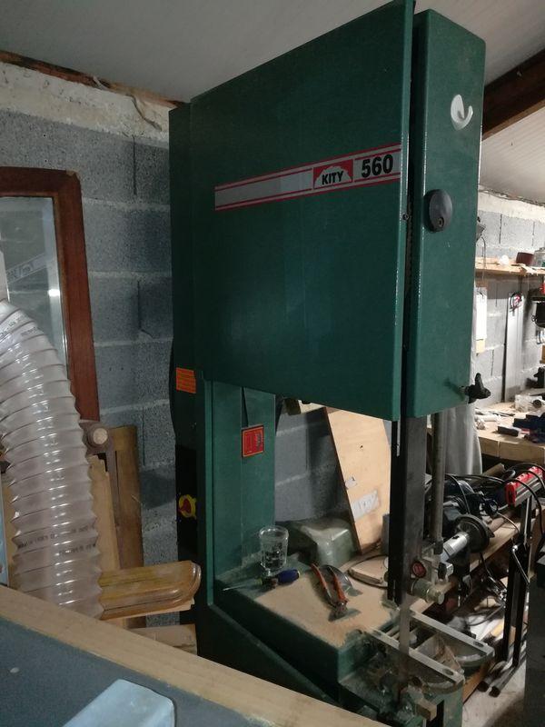 Une nouvelle scie à ruban à l'atelier 0310