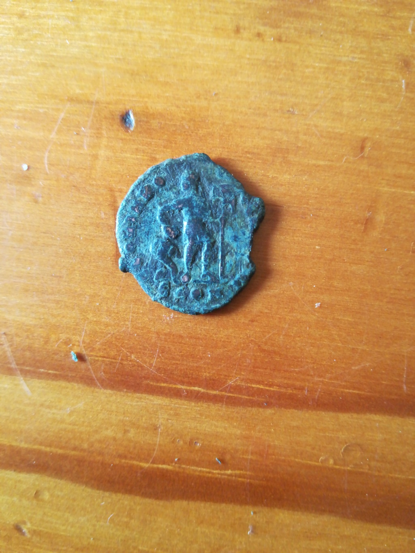 AE3 de Valente. GLORIA ROMANORVM. Arlés 15903015
