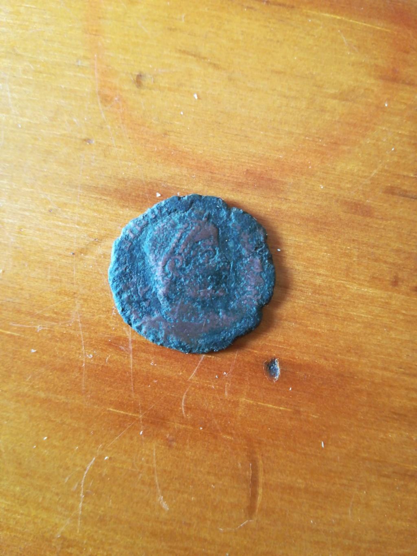 AE3 de Valentiniano I. SECVRITAS REIPVBLICAE. Arlés 15903016
