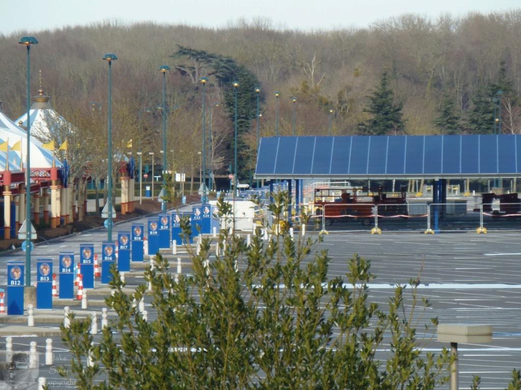 Centrale photovoltaïques sur le parking visiteur (Avancement du chantier p.13) - Page 12 9_copi10