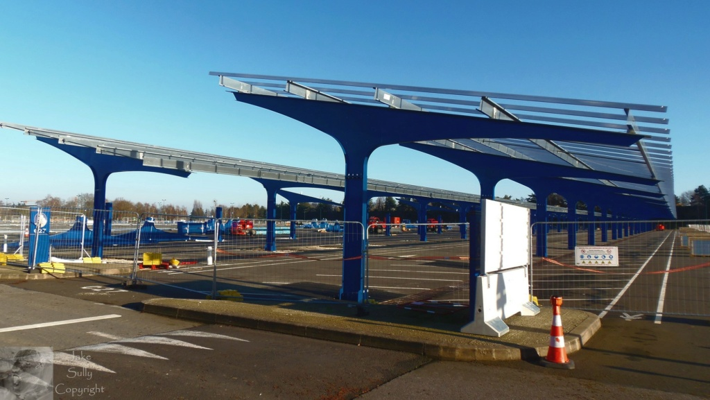 Centrale photovoltaïques sur le parking visiteur (Avancement du chantier p.13) - Page 11 Parkin15