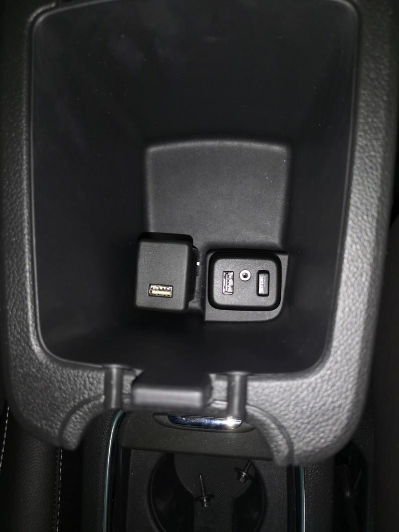 [Brico Astra K] Sustituir USB del cajón de apoyabrazos por hub integrado. - Página 2 20190210
