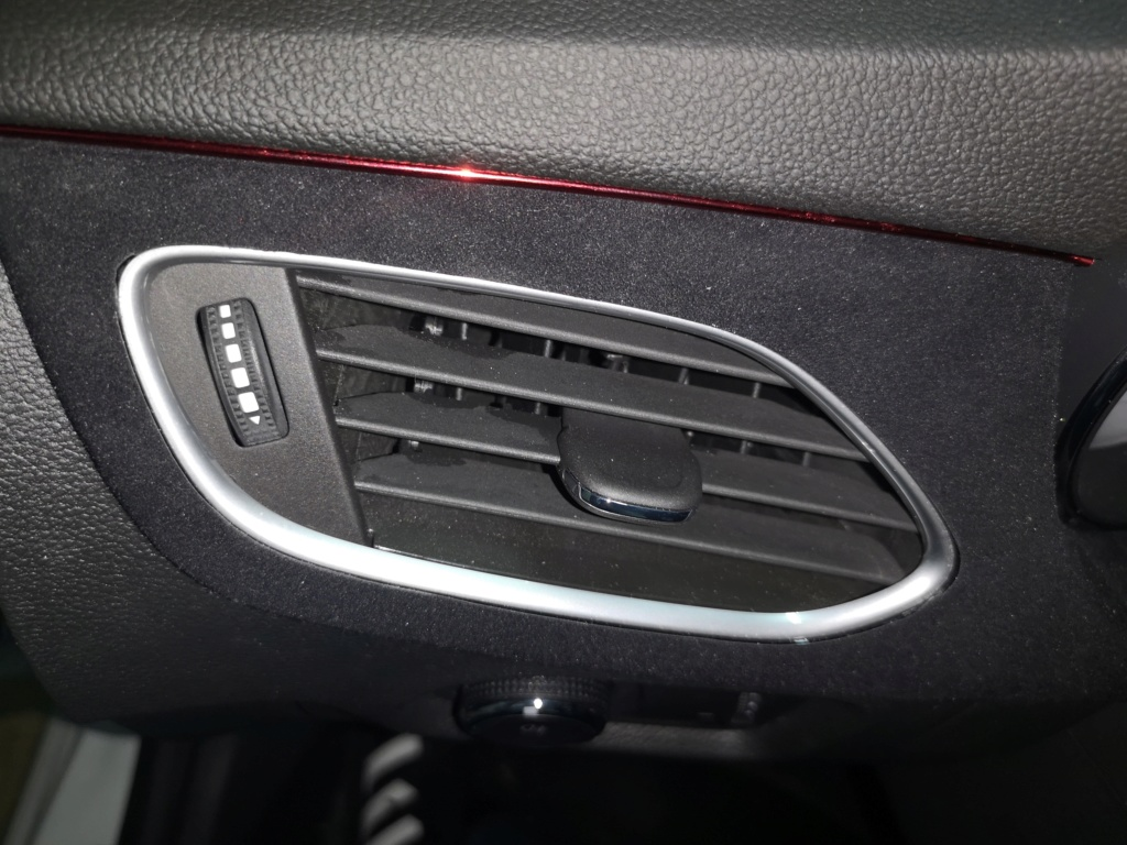 Opel Astra GSI line 200cv - Página 2 Moldur15