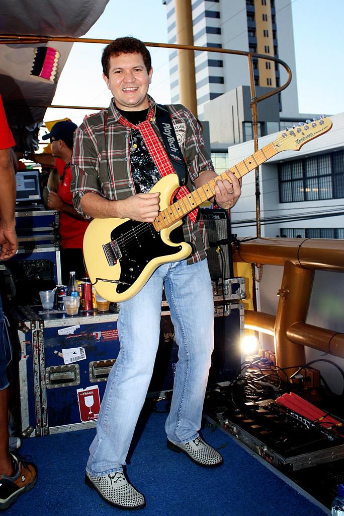 John Paul Jones é o melhor baixista do Rock de todos os tempos???? SIM!!!!!!! - Página 3 Chimbi11
