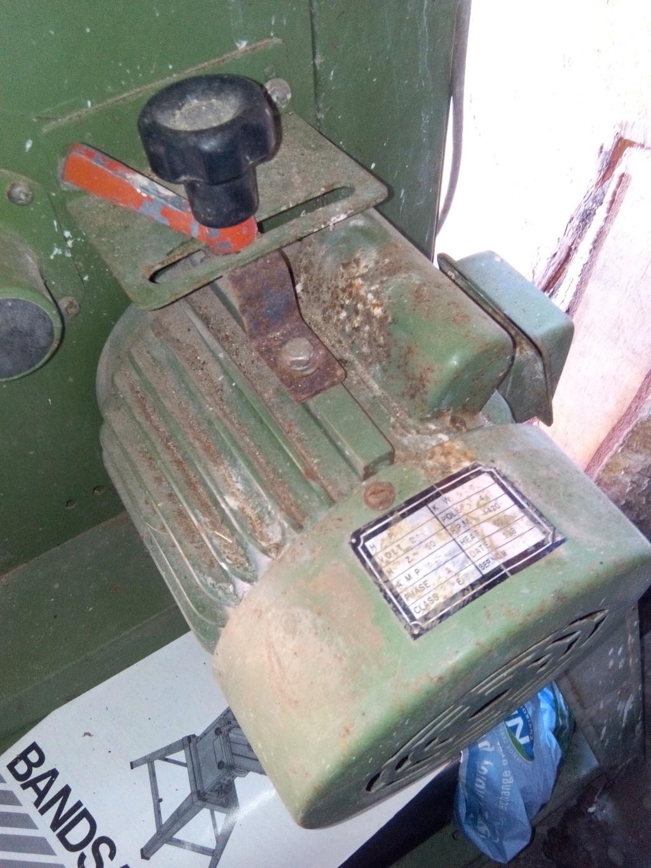 Scie à ruban promac 350 qui fait sauter au démarrage... Img_2011