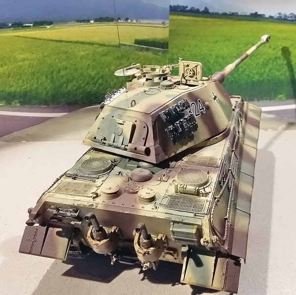 King Tiger (tourelle Porsche, full interior) [Takom 1/35 ] - Page 7 20200439