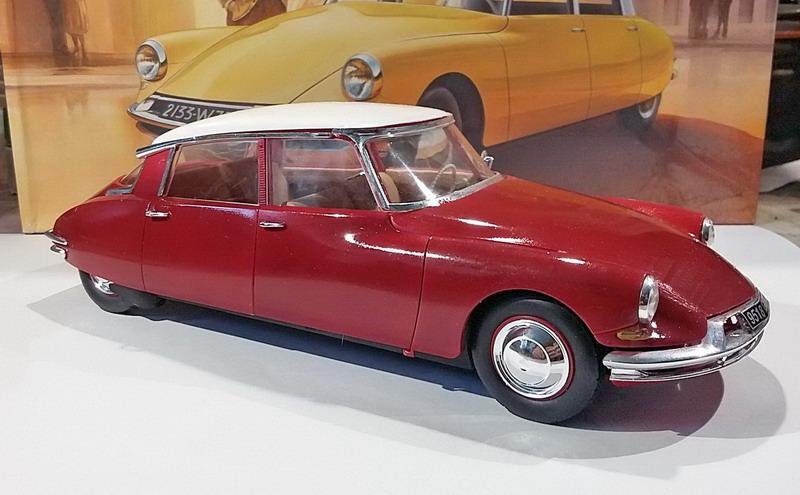 Citroën DS19 1/24ème Ebbro - Page 2 20200480