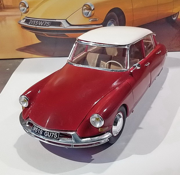Citroën DS19 1/24ème Ebbro - Page 2 20200481