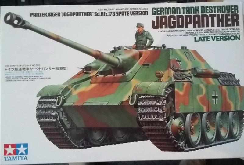 "Jagdpanther ""late version""  1/35ème [Tamiya] Img-2010"