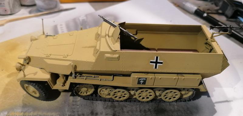 Hanomag Sd.Kfz. 251/1  - 1/35 - Tamiya - Page 2 Img_2112