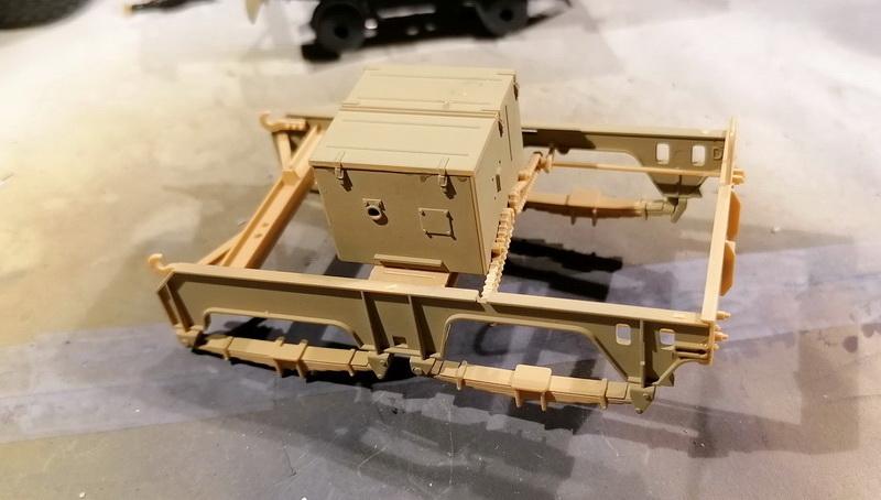 Camion Famo + remorque porte-chars  - 1/35 -  Tamiya - Page 4 Img_2309