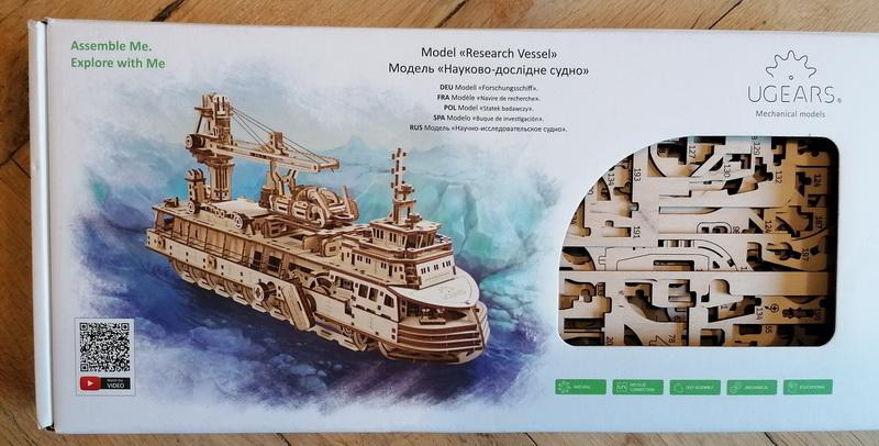 """Kit à encliqueter """"Research Vessel"""", échelle ? [UGEARS Mechanical Models] Img_2944"""
