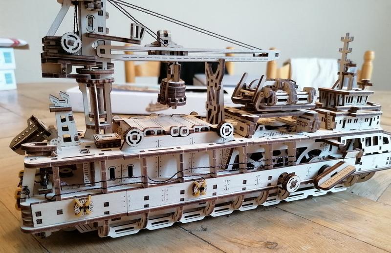 """Kit à encliqueter """"Research Vessel"""", échelle ? [UGEARS Mechanical Models] Img_2945"""