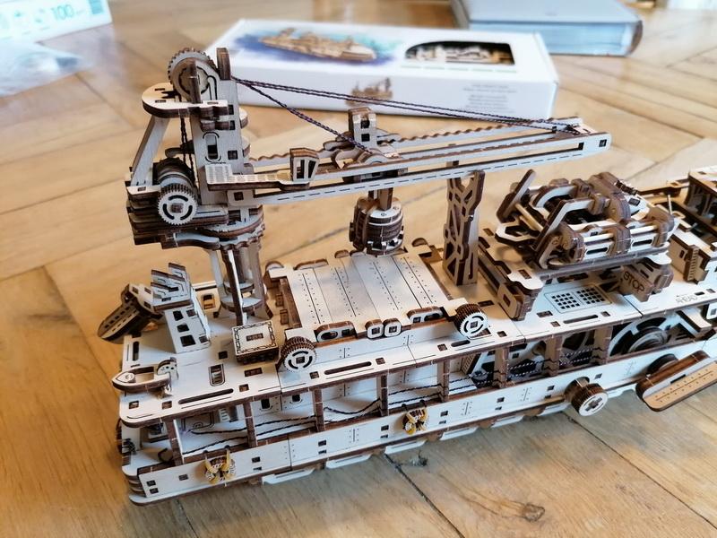 """Kit à encliqueter """"Research Vessel"""", échelle ? [UGEARS Mechanical Models] Img_2947"""