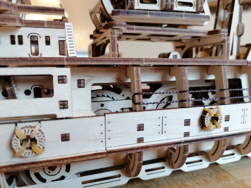 """Kit à encliqueter """"Research Vessel"""", échelle ? [UGEARS Mechanical Models] Img_2950"""