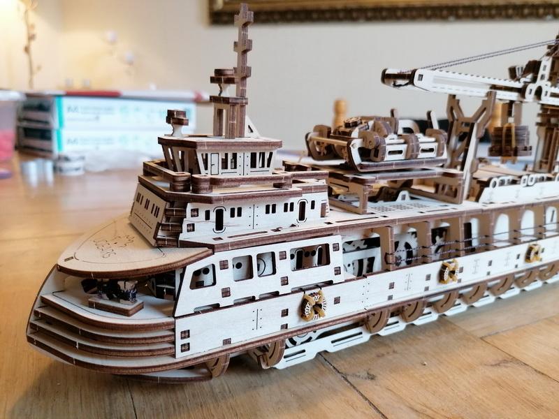 """Kit à encliqueter """"Research Vessel"""", échelle ? [UGEARS Mechanical Models] Img_2951"""