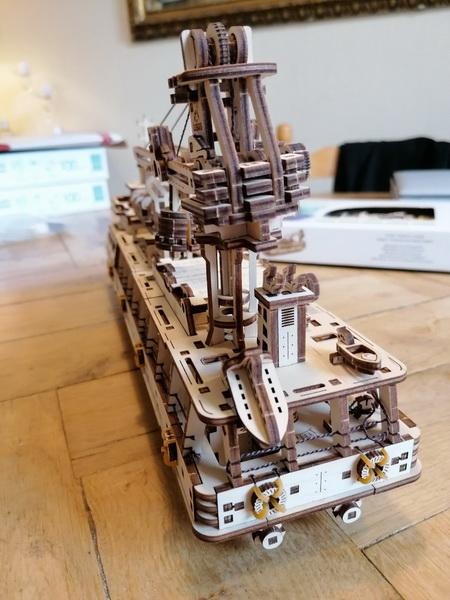 """Kit à encliqueter """"Research Vessel"""", échelle ? [UGEARS Mechanical Models] Img_2953"""