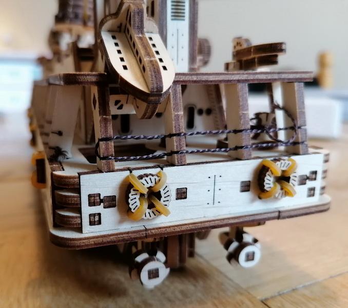 """Kit à encliqueter """"Research Vessel"""", échelle ? [UGEARS Mechanical Models] Img_2954"""