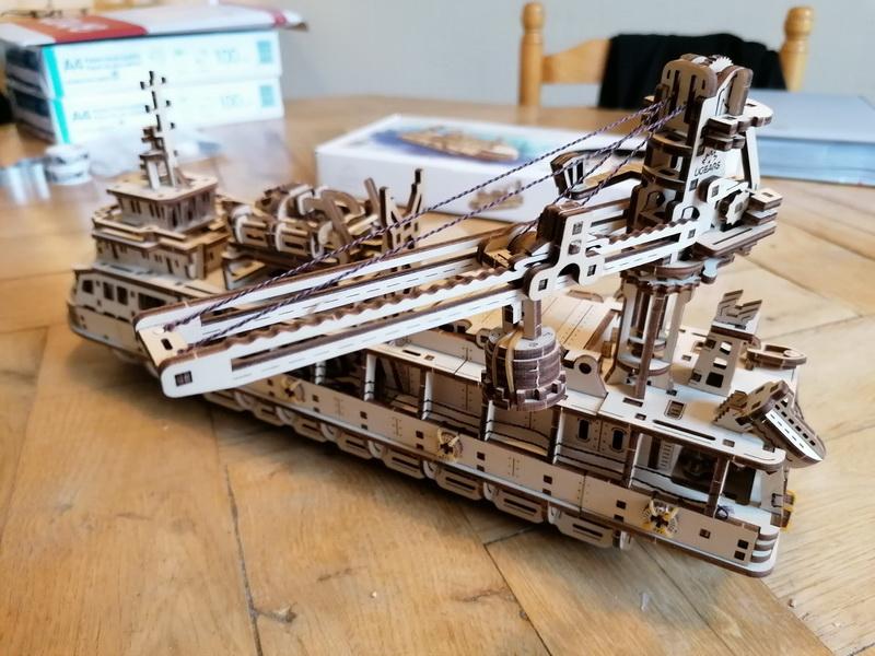 """Kit à encliqueter """"Research Vessel"""", échelle ? [UGEARS Mechanical Models] Img_2955"""
