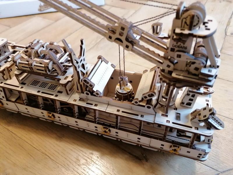 """Kit à encliqueter """"Research Vessel"""", échelle ? [UGEARS Mechanical Models] Img_2958"""