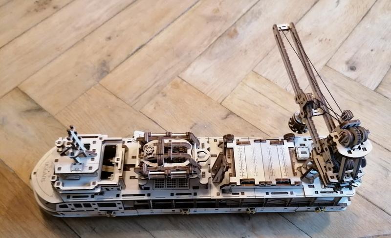 """Kit à encliqueter """"Research Vessel"""", échelle ? [UGEARS Mechanical Models] Img_2961"""