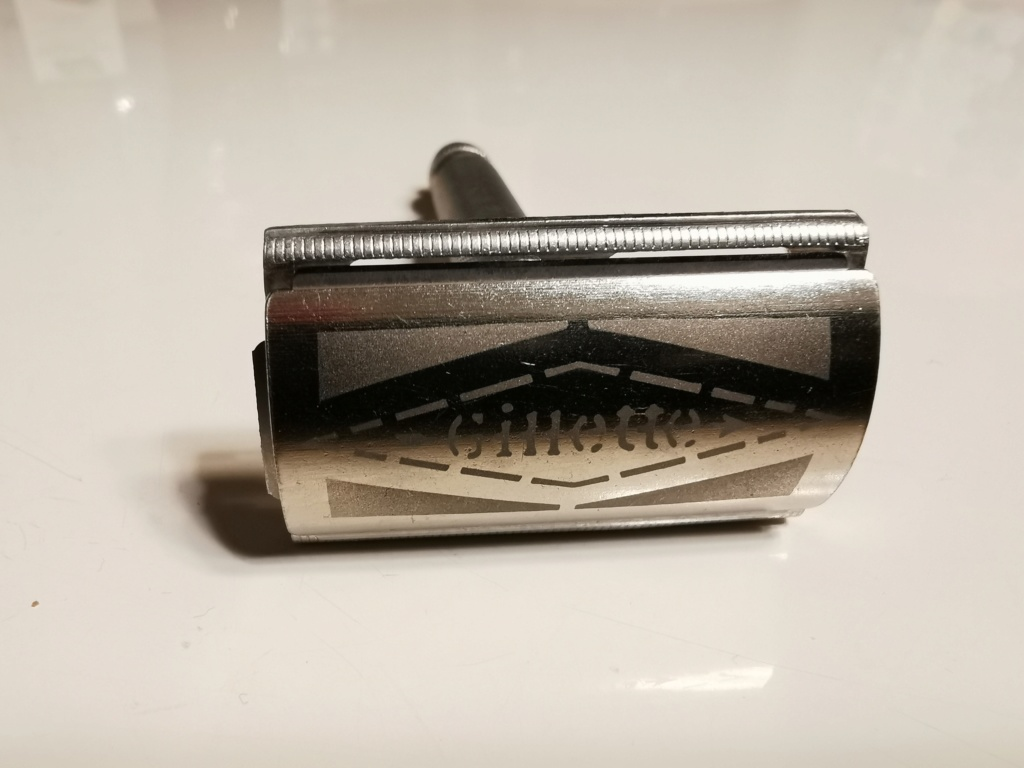 Mon premier rasoir  Img_2024