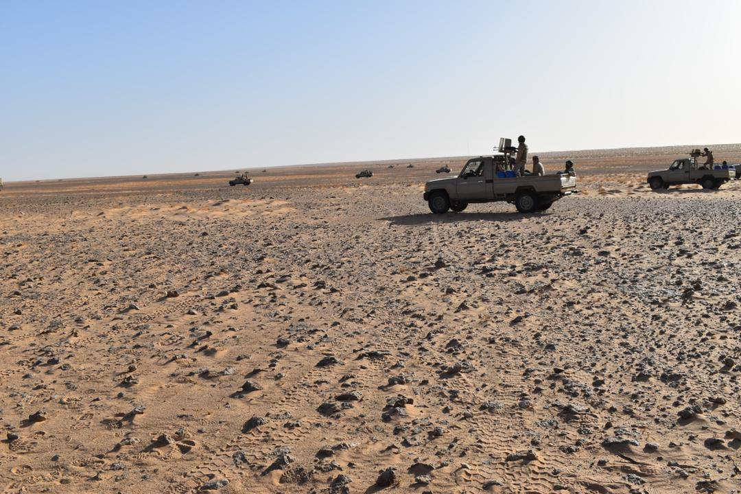 Armée Mauritanienne - Page 13 Fccd1710