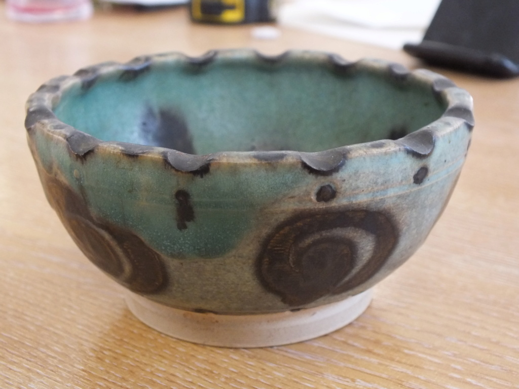 Green studio pottery bowl Dscf8710