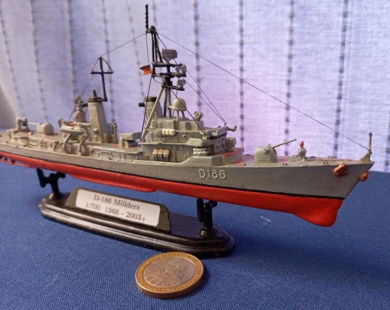 Destroyer D186 Molders, Revell, 1/700e  20210520