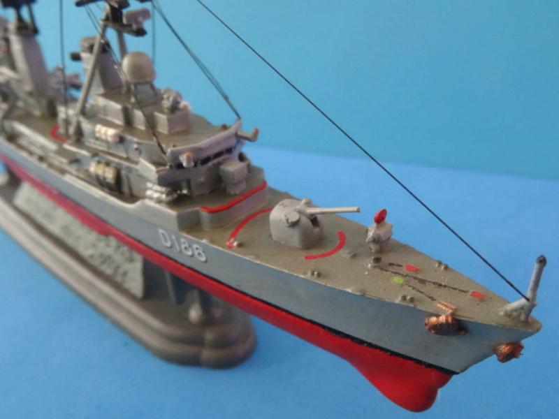 Destroyer D186 Molders, Revell, 1/700e  Dsc05513
