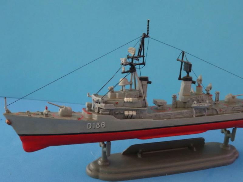Destroyer D186 Molders, Revell, 1/700e  Dsc05514