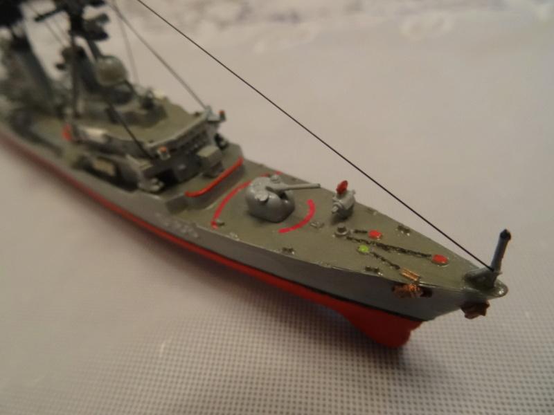 Destroyer D186 Molders, Revell, 1/700e  Molder24