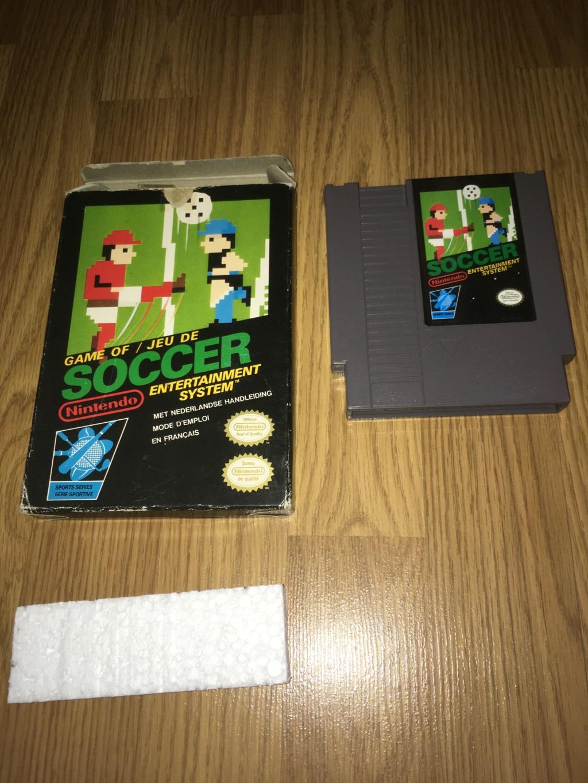 [VDS] Jeux NES / SNES PAL complets dont Les Schtroumpfs avec son poster Soccer10