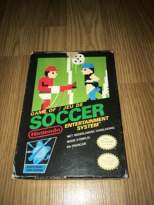 [VDS] Jeux NES / SNES PAL complets dont Les Schtroumpfs avec son poster Soccer12