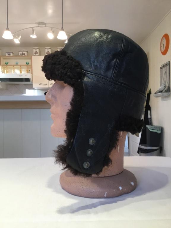 Identification bonnet en cuir Da154710