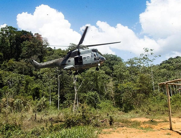 2021/01/29 Guyane : des légionnaires sont restés 72 jours en forêt, faute d'hélicoptère Harpie11