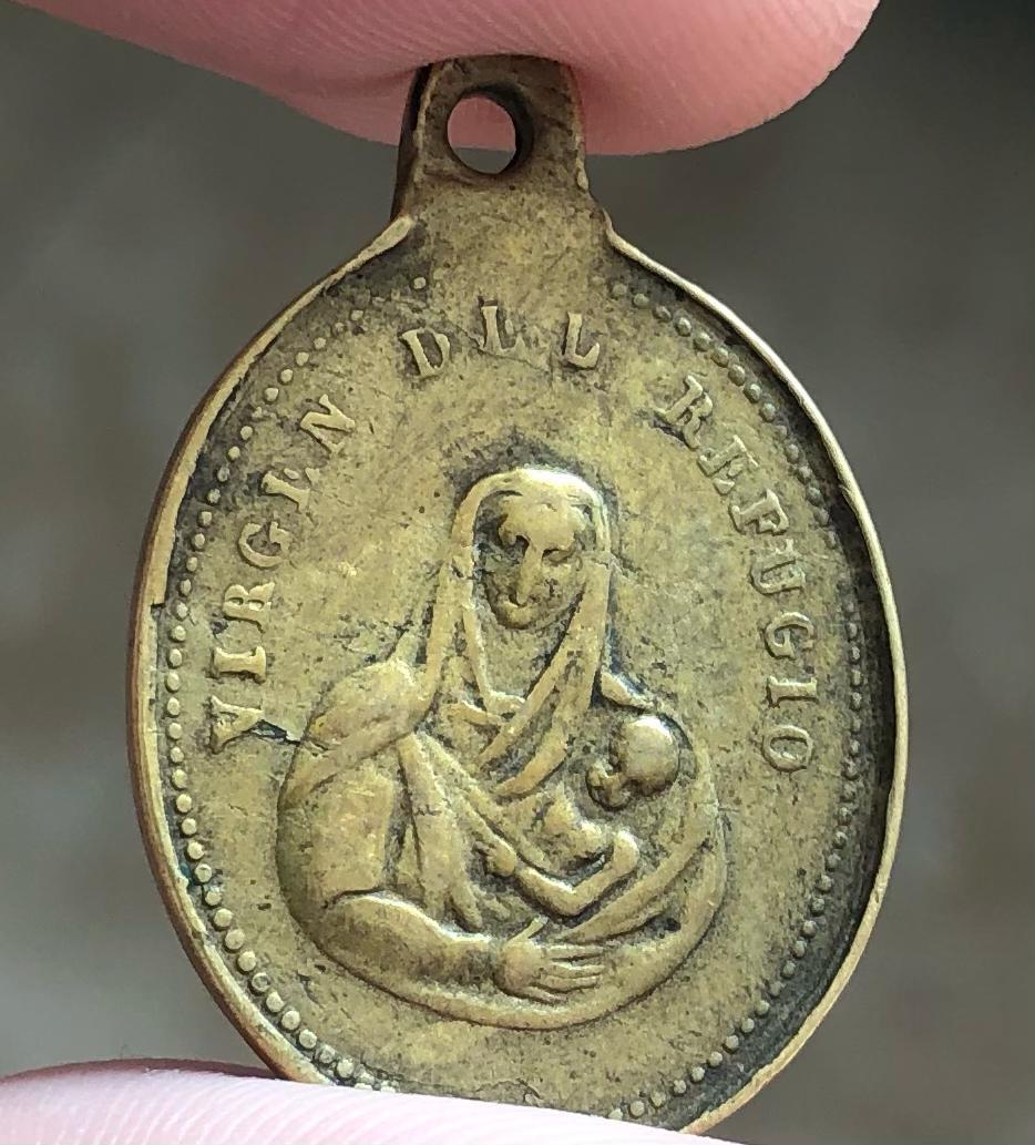 medalla a identificar Virgen13
