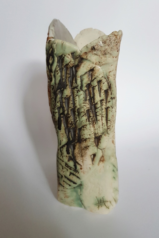 Vase with unknown HH mark - Christine cox maybe?  20210616