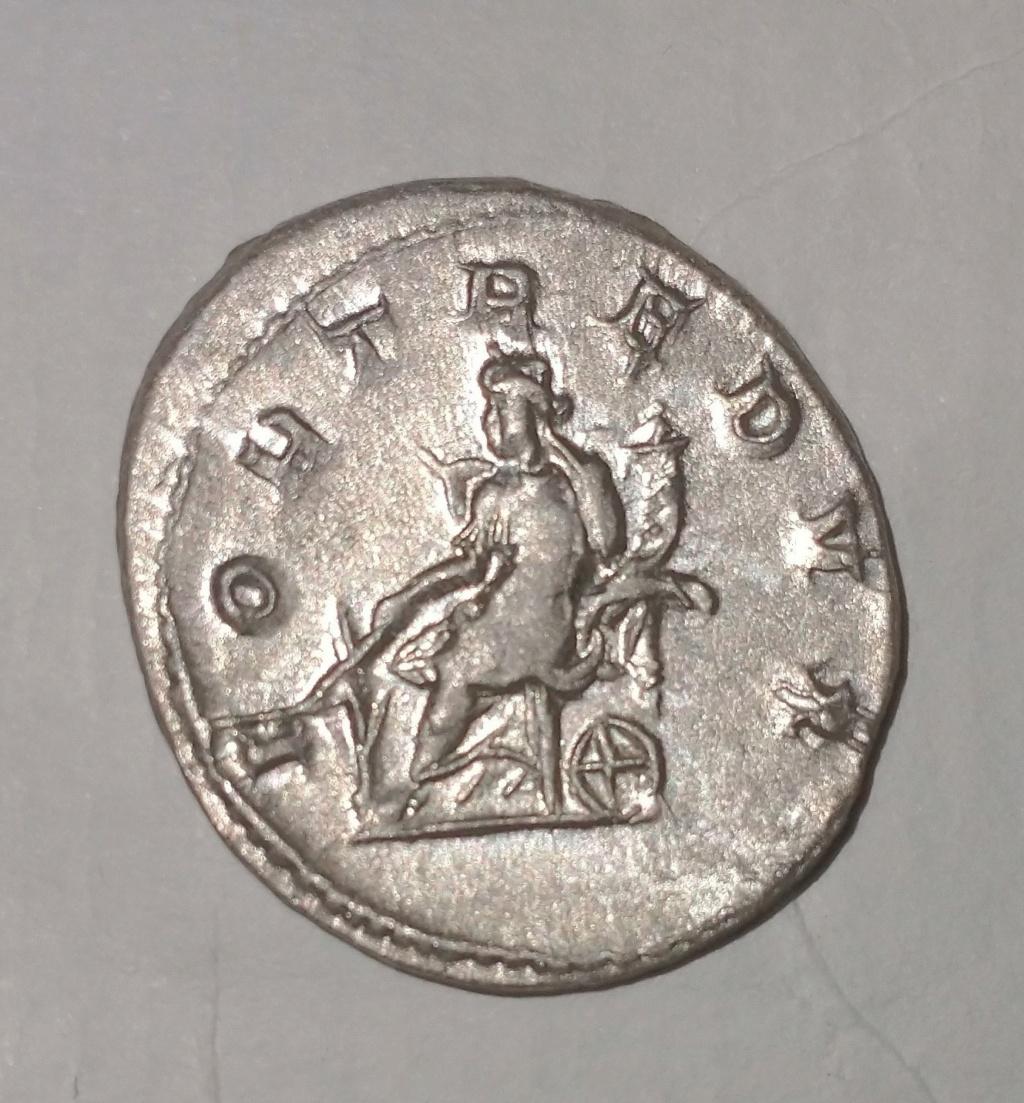 Antoniano de Gordiano III. FORT REDVX. Fortuna sentada a izq. Roma Gordia11