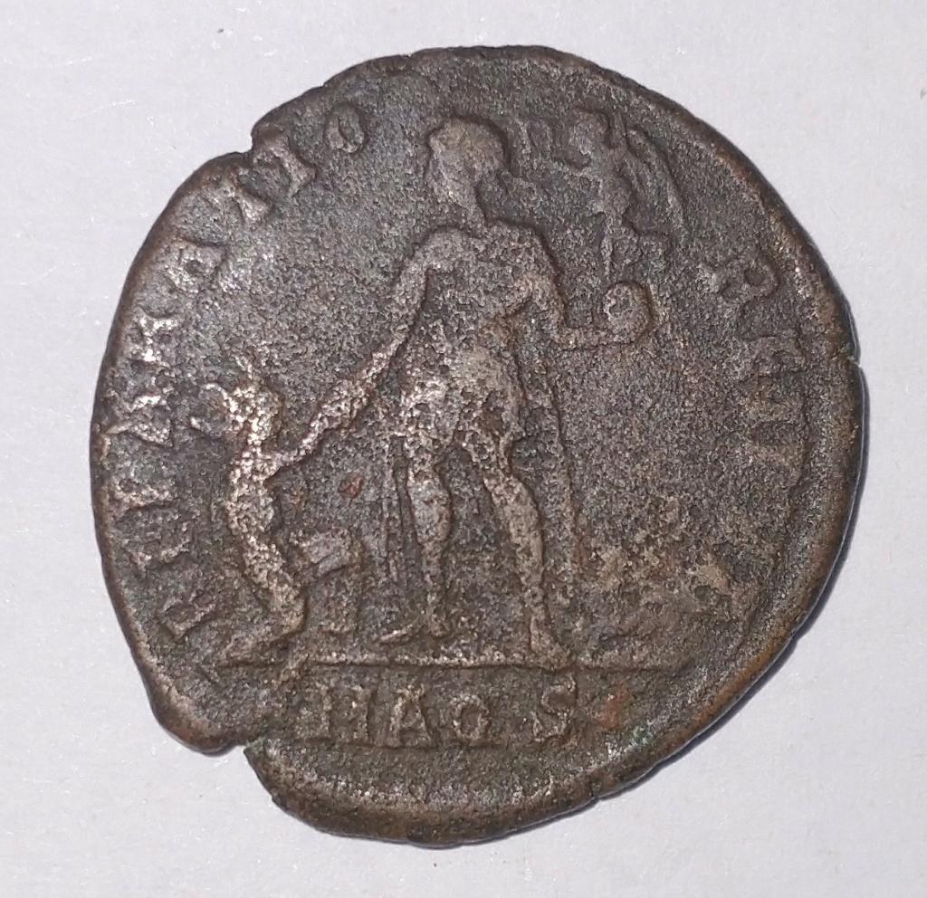 Primeras monedas: Constantino I y Valentiniano II Valent11