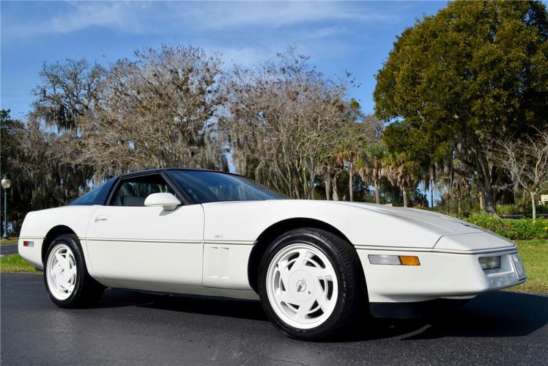 Corvette C4 (1984-1996)  19415410