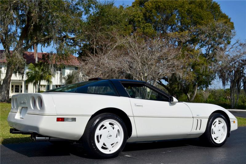 Corvette C4 (1984-1996)  19415411