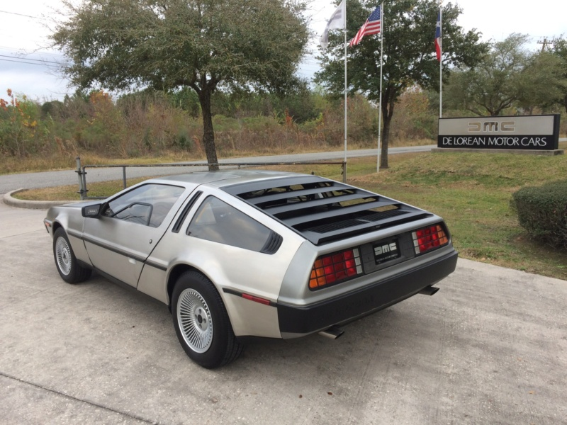 Légendes T/A : DeLorean  Delodm11