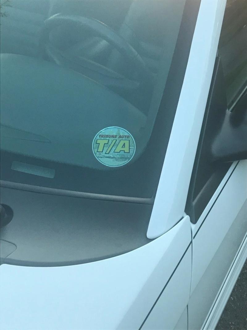 Stickers électrostatiques Tribune Auto Thumb211