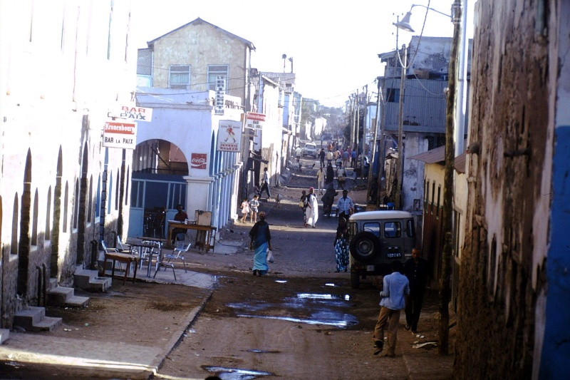 DJIBOUTI - LES BARS - Page 12 51830510