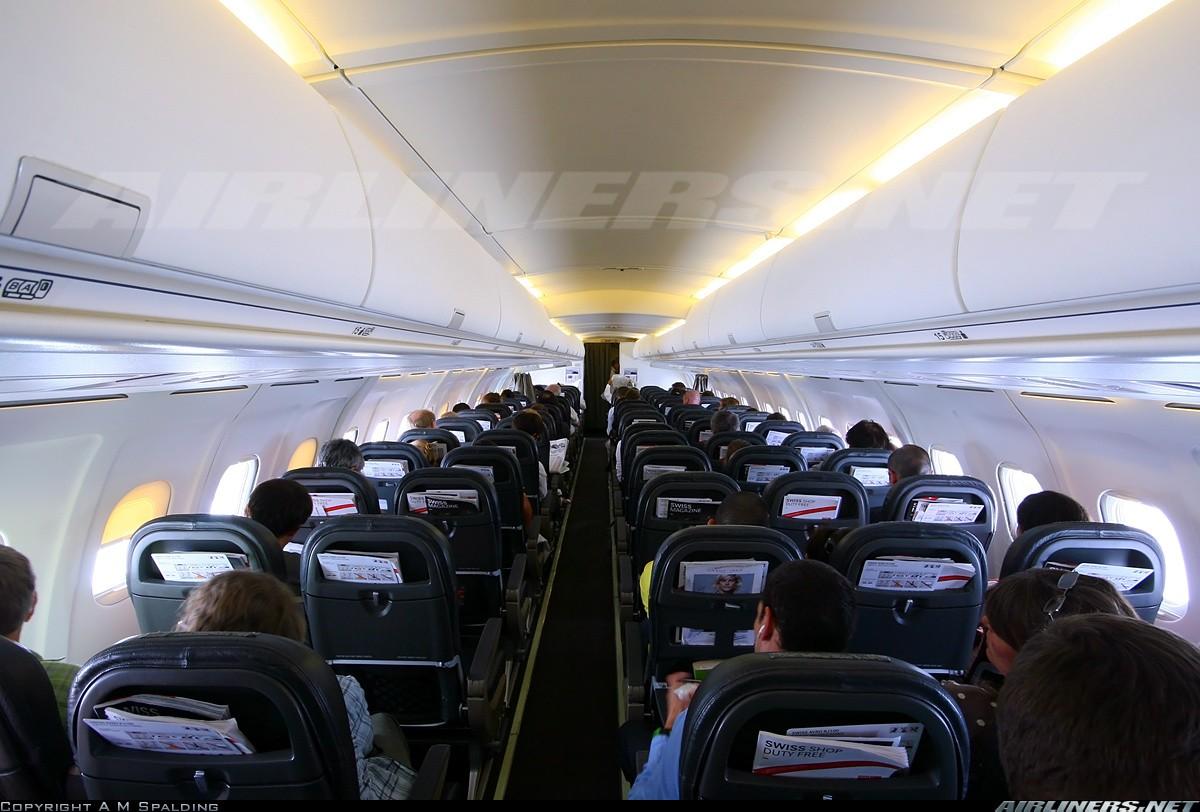 BAe Avro RJ100 20011410