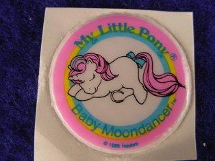 Stickers vendu avec les petits poneys  B_moon12